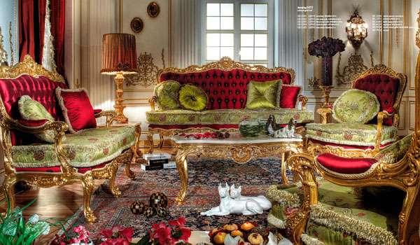 Красный диван в классическом стиле из италии