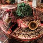 Круговой диван Torande в классическом стиле. Asnaghi Interiors