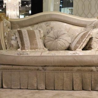 Маленький элитный диван Скарлет в стиле Прованс. Италия.