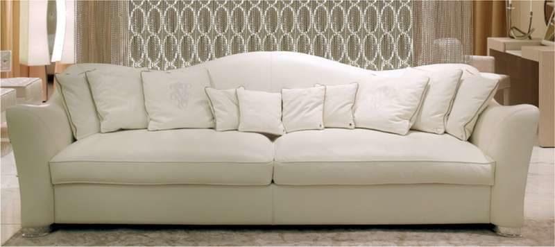 Белый четырехместный диван Лестер в стиле современная классика