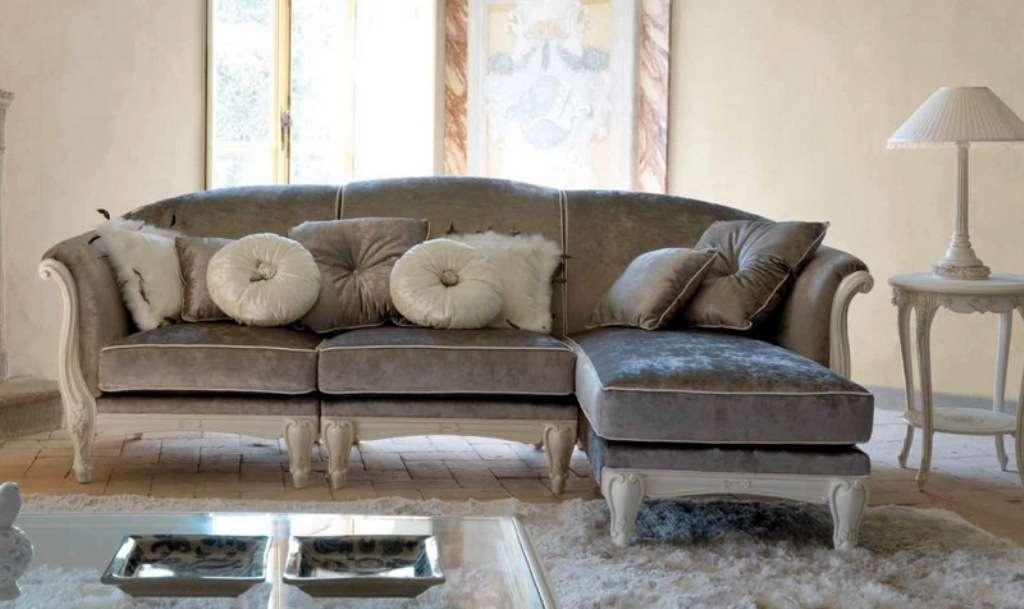 Угловой классический диван Савио Фермино. Италия