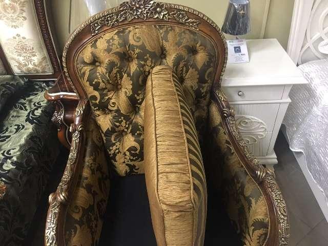 Двухсторонняя подушка на кресле Маэстро