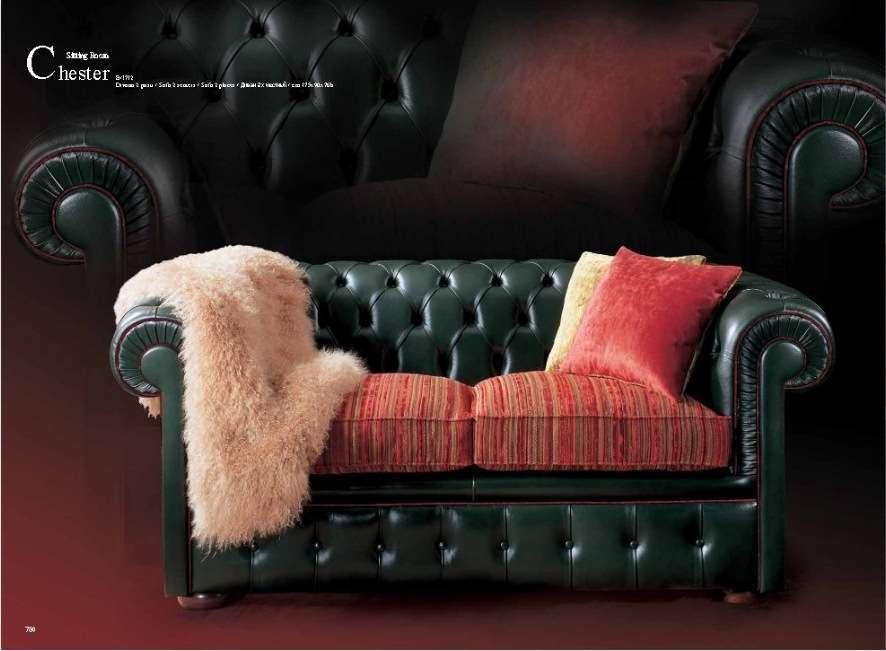 Дорогой классический кожаный диван Честер в английском стиле.