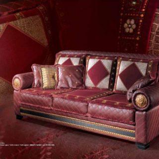 Дорогой бордовый диван Деко в стиле модерн. Италия.