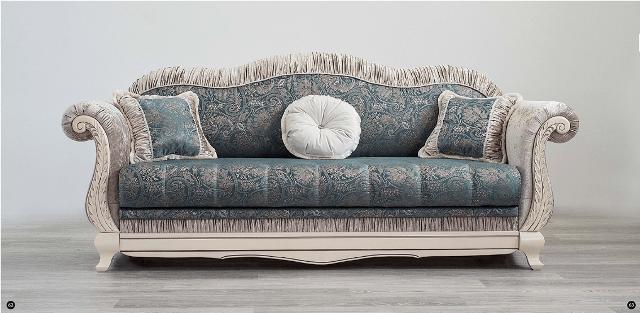 Дорогой классический диван из массива Лилея.
