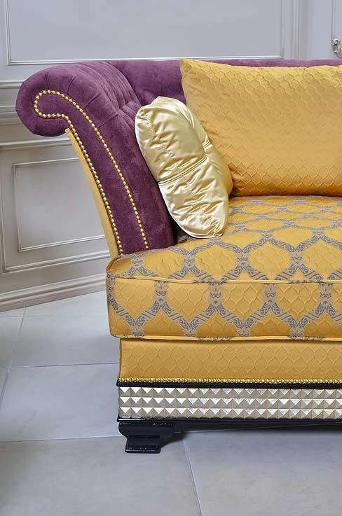 Декоративная отделка поручней и изножья дивана Элисон