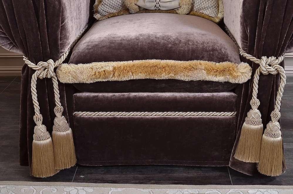 Отделка изножья дивана Неаполь