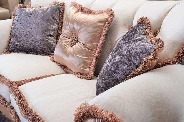 Обивка и декоративные подушки дивана Виндзор
