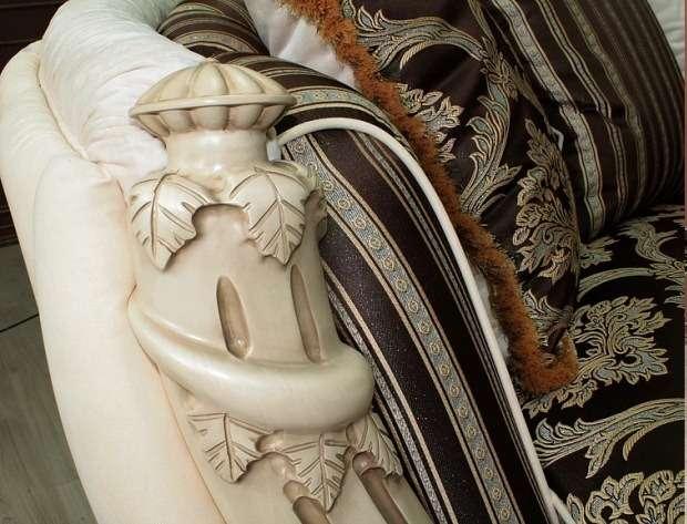 Декоративные поручни дивана и кресле Претория