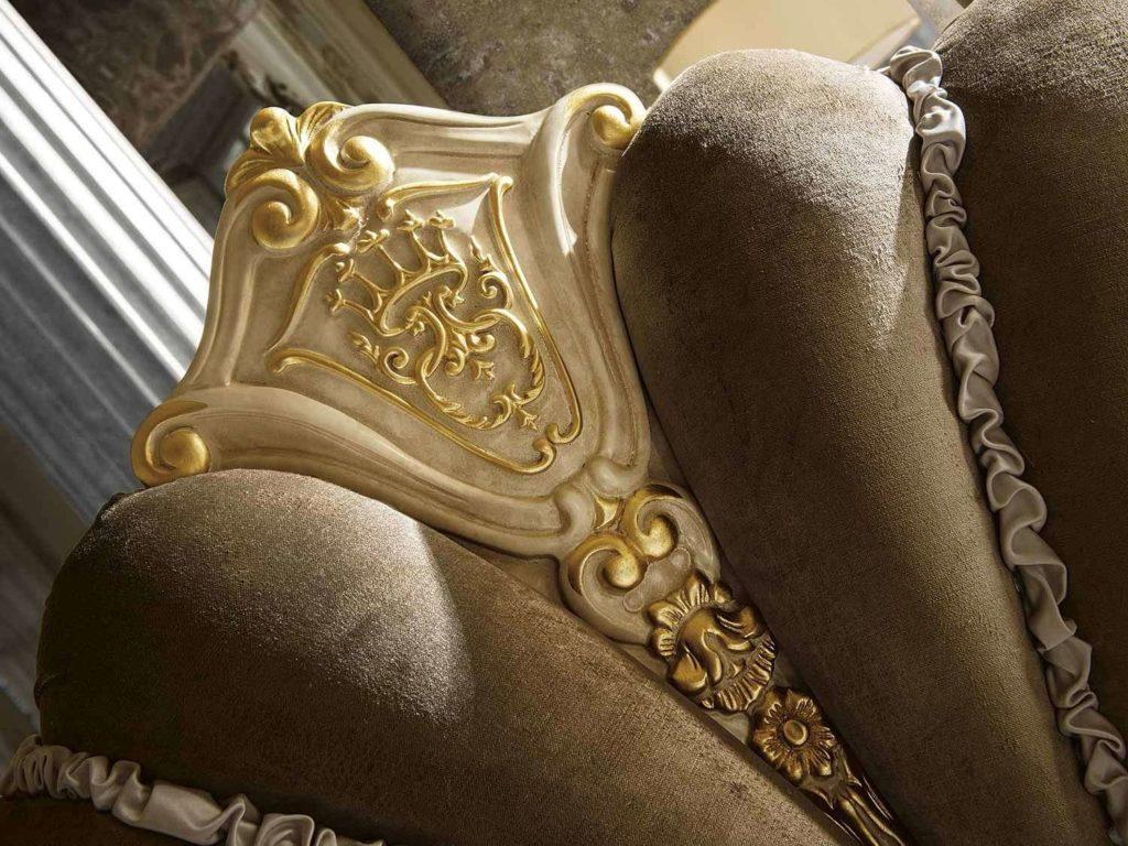 Дорогие отделки дивана Мадам Роял