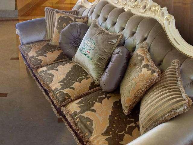 Трехместный классический диван Опера.