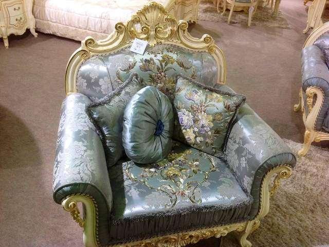 Дорогое кресло Опера в стиле барокко