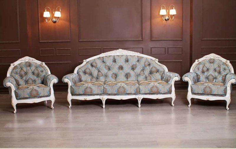 Дорогой итальянский комплект мягкой мебели в стиле барокко Анжелика