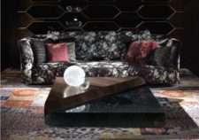 Дорогой черный модерновый диван Рубенс. Италия
