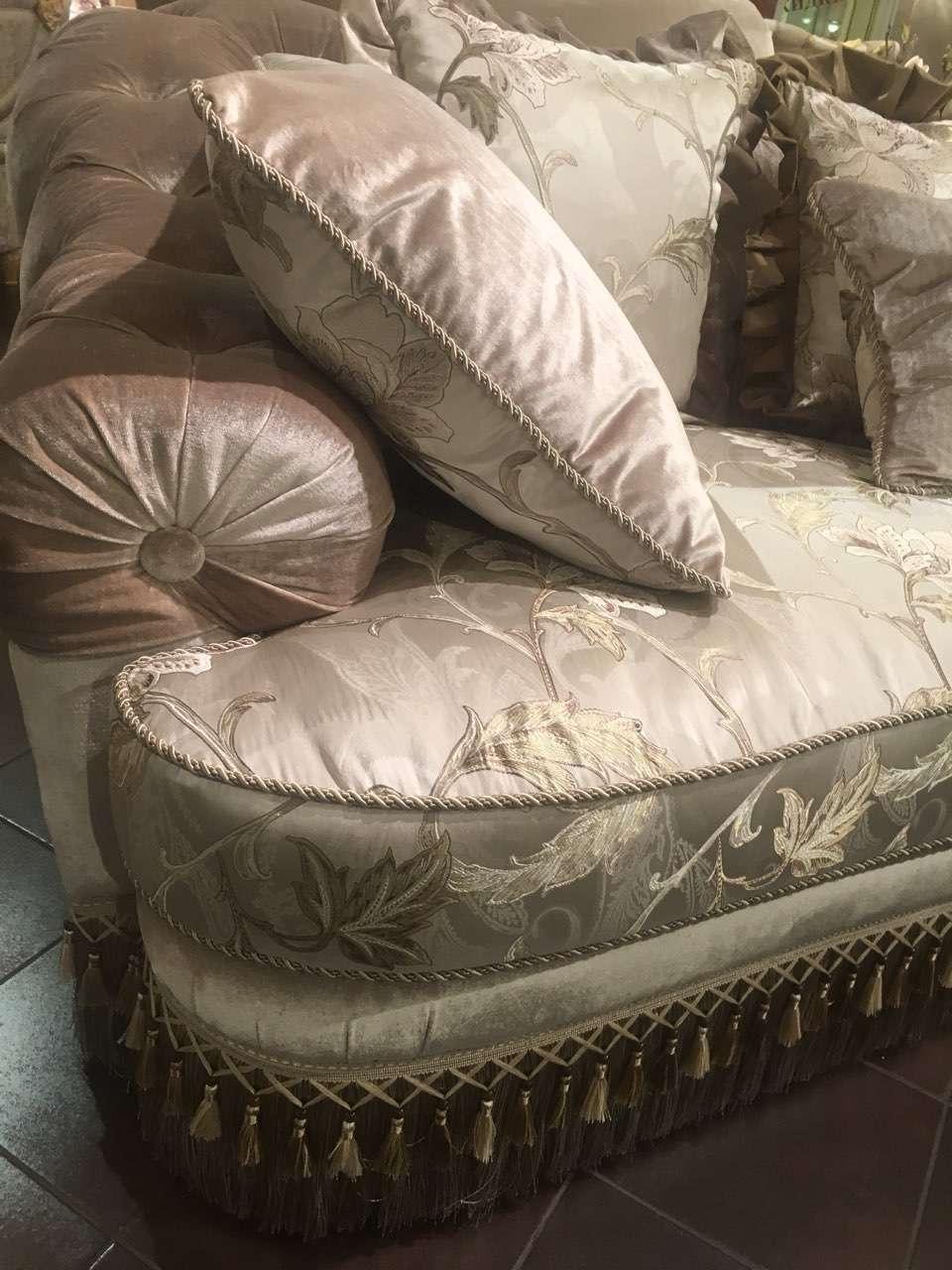 Отделка мягкого дивана в стиле капитоне. Америка