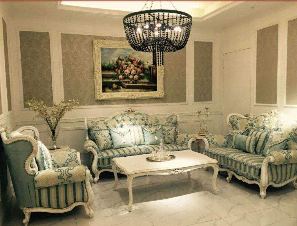 Дорогая классическая мягкая мебель в гостиную Натали, Румыния