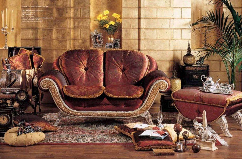 Двухместный красный диванчик Каппелетти, Италия.