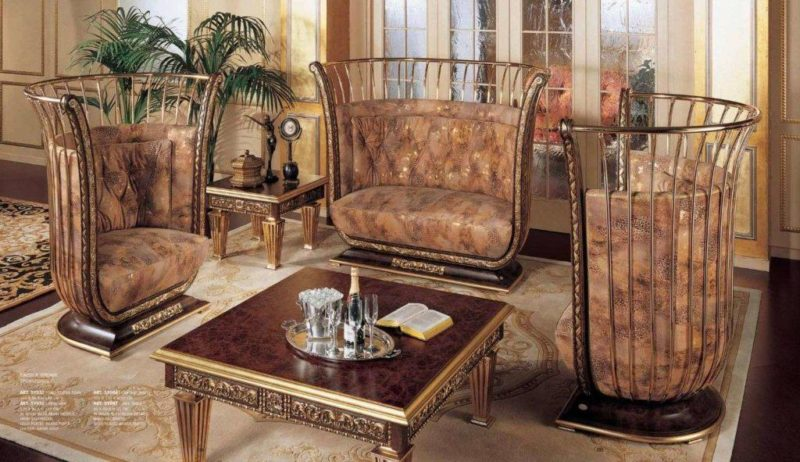 Дорогая мягкая итальянская мебель Симфония - с коронами