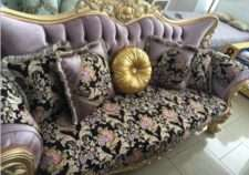 Резной золотой диван Берке в стиле барокко.