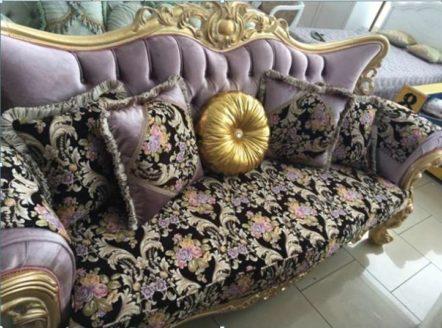 Дорогой резной диван в золоте с цветочным узором Берке, Малайзия