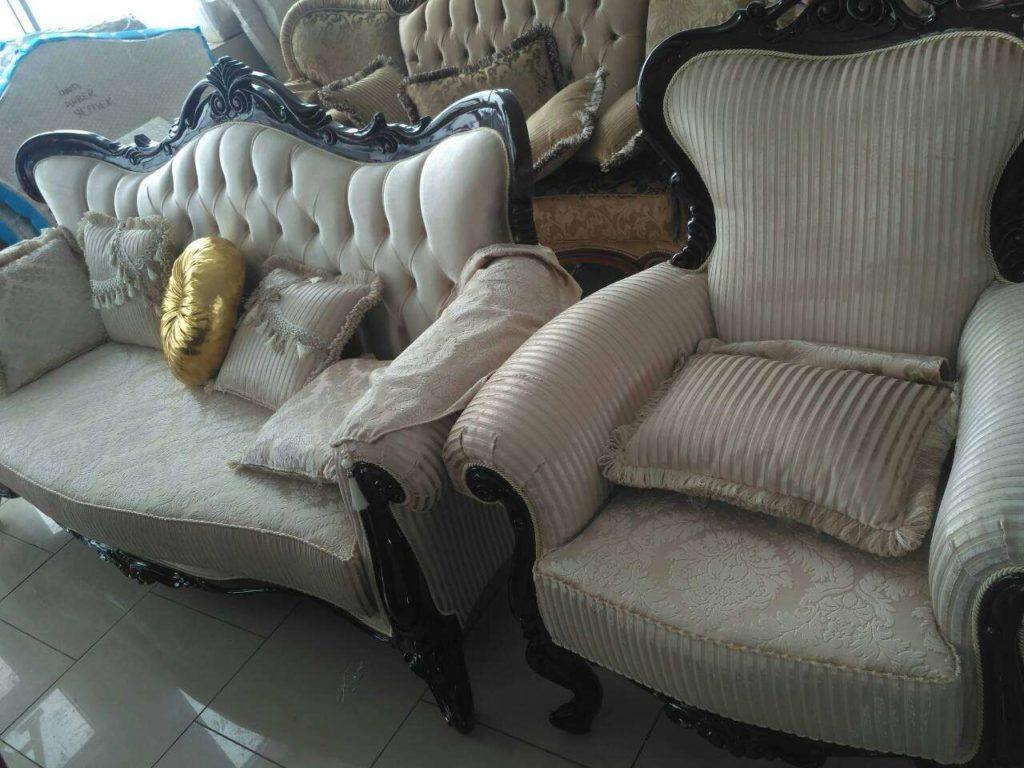 Резной диван с креслами Инси, Малайзия