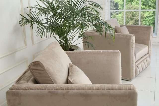 Мягкие бежевые кресла в комплект мебели Манчестер