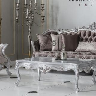 Классический резной диван с креслами и столиком Светлана